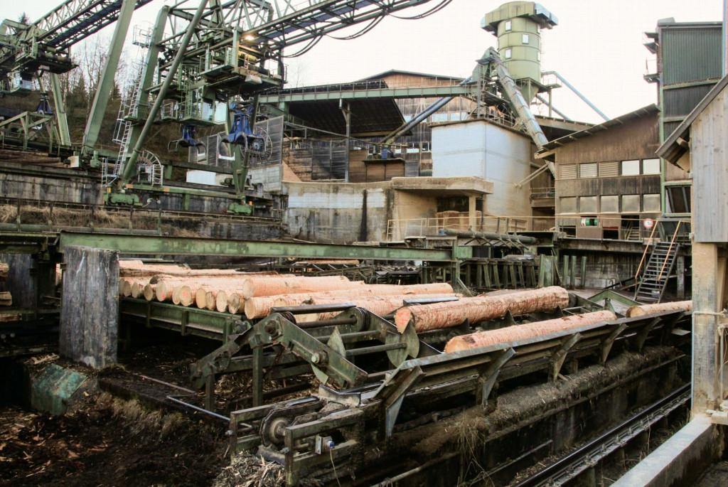 Das grosse Sägewerk mit angeschlossener Produktion der Brettsperrholzplatten bei Schilliger Holz in Küssnacht am Rigi.