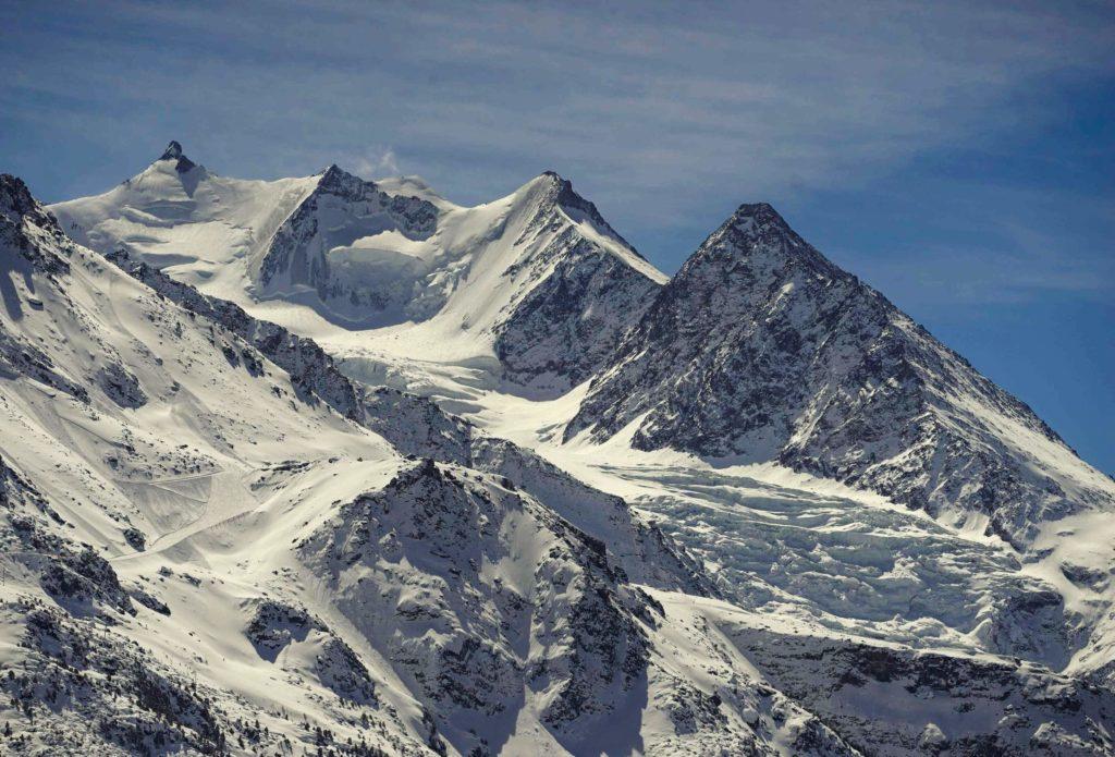 Fernglasblick vom Chalet auf Mischabelgruppe, bis 4.545 m